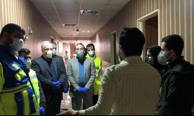 عکس ، بازدید وزیر بهداشت از دانشجویان در قرنطینه ویروس کورونا