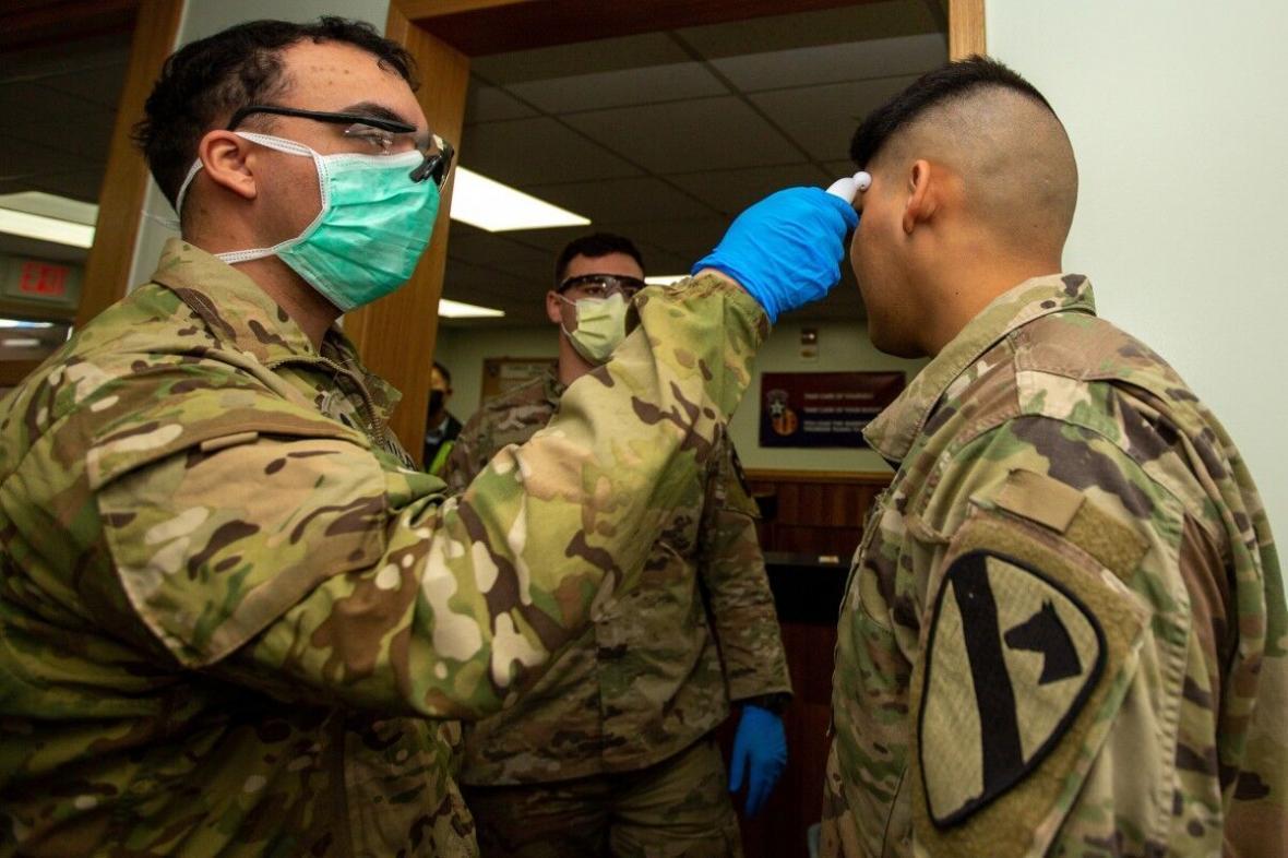 خبرنگاران رویترز: کرونا تحرکات 10 هزار پرسنل ارتش آمریکا را محدود کرد