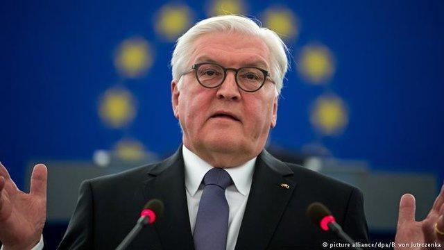 رئیس جمهور آلمان: دنیا شمولی بیماری یک جنگ نیست بلکه یک امتحان برای بشریت است