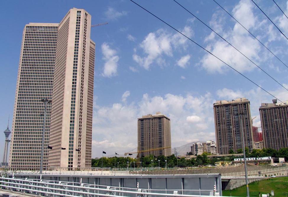 زندگی در بلندترین برج مسکونی تهران، برج تهران