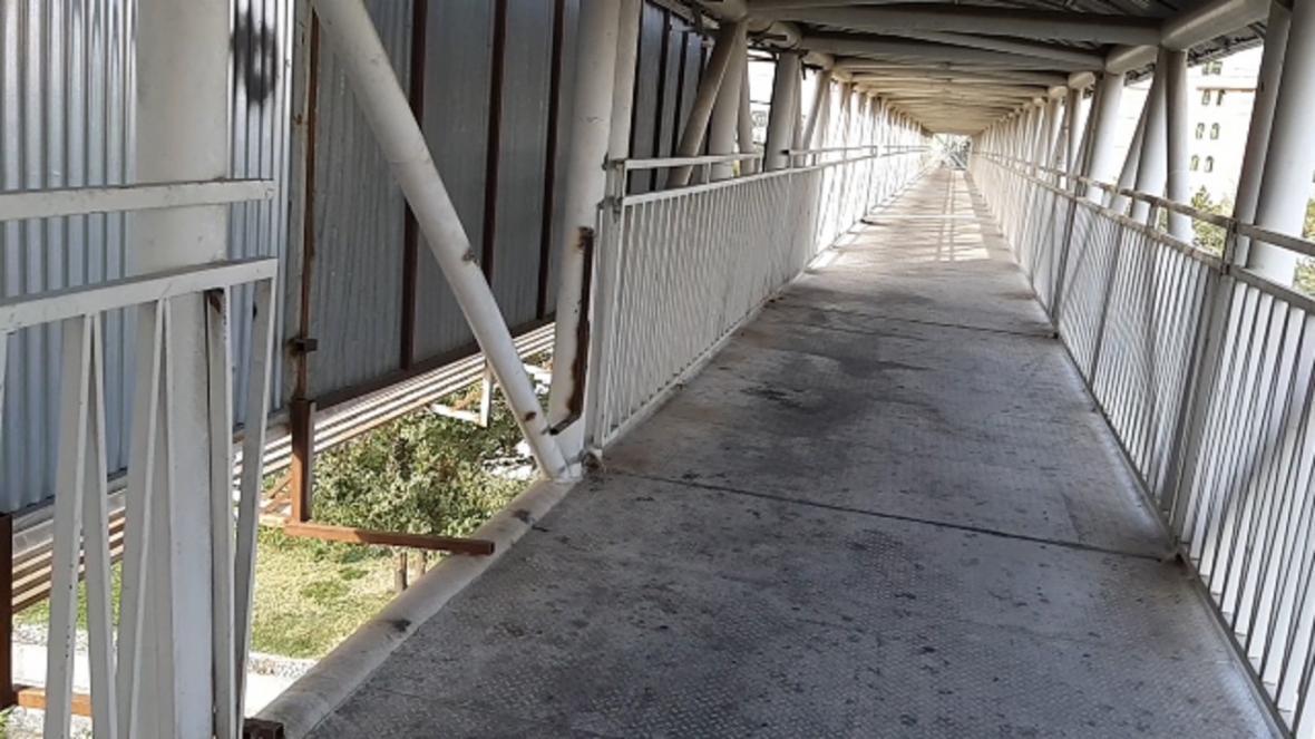 پل عابرپیاده خطرناک در ملارد
