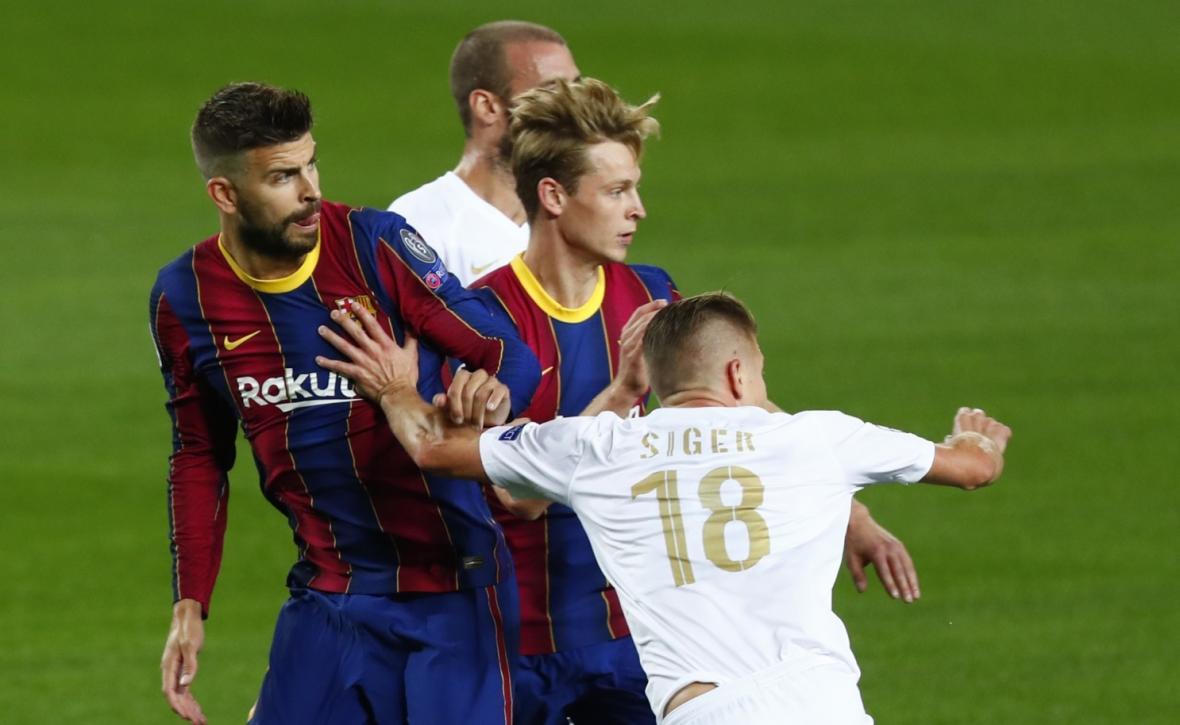 اقدام جالب و ناگهانی بارسلونا؛ تمدید قرارداد چهار ستون تیم