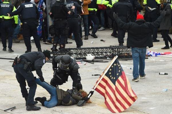 افزایش تلفات درگیری های کنگره آمریکا به 5 نفر
