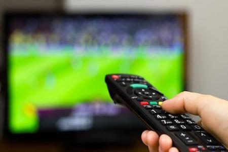 روزی سراسر فوتبالی در شبکه سه، گزارشگرها تعیین شدند