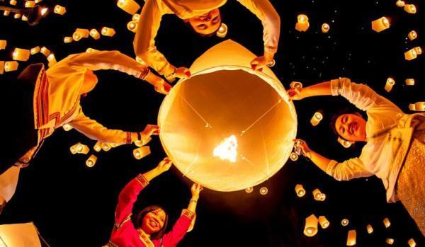 تور لحظه آخری تایلند: جشن فانوس تایلند